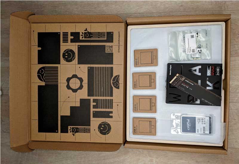 Весь комплект модульного ноутбука Framework DIY Edition