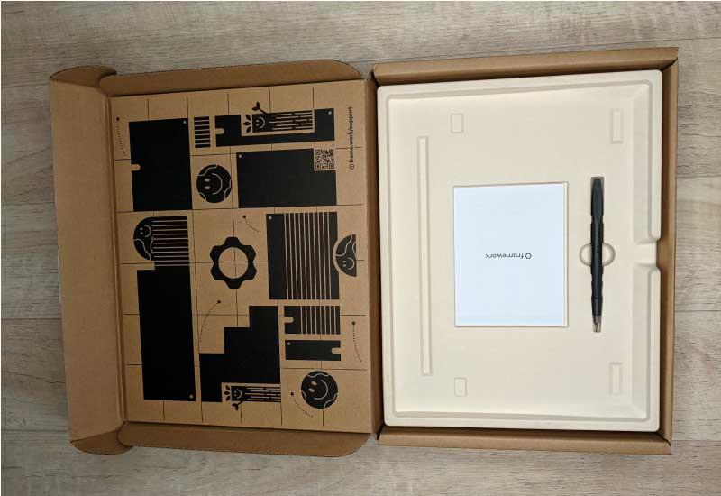 Содержимое коробки ноутбука FrameWork